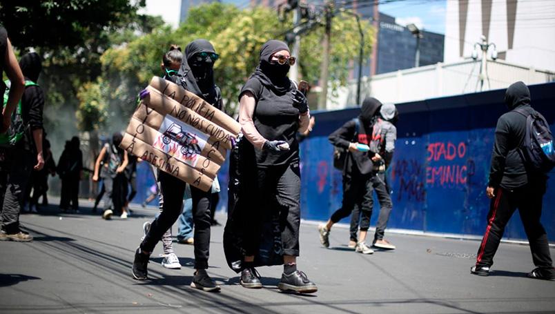 Racismo-y-abuso-policial,-encapuchados-vandalizan-CDMX