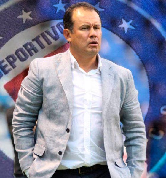 Juan Reynoso el nuevo DT del Cruz Azul