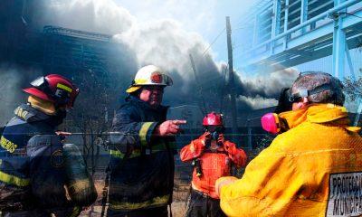 Explosión en planta de zinc, deja nube de humo tóxica en San Luis Potosí